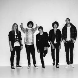 """""""Jestem spokojny, że będziemy zespołem, który ruszy za granicę i odniesie jakiś sukces"""" – wywiad z zespołem Curly Heads"""